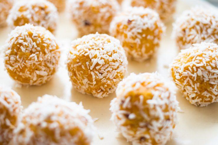 Lemony Turmeric Energy Balls